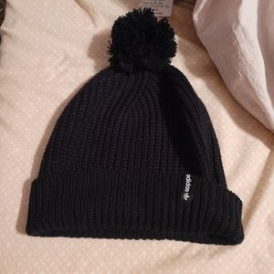 Adidas black knit hat